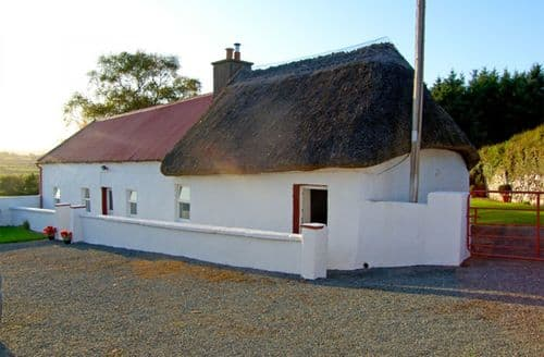 Last Minute Cottages - Carthy's Cottage