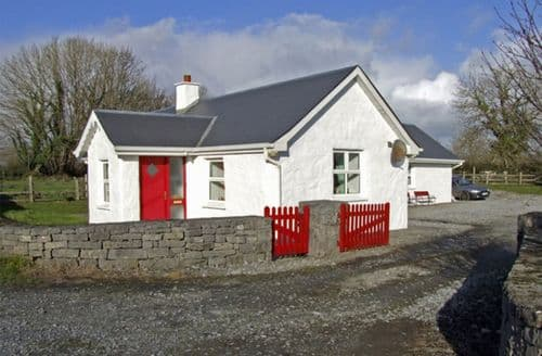 Last Minute Cottages - Tasteful  Cottage S4890
