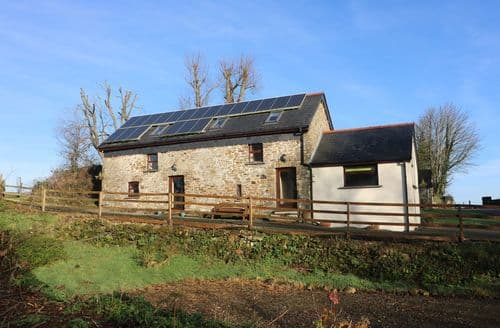 Last Minute Cottages - Luxury Clynderwen Bwthyn S4903