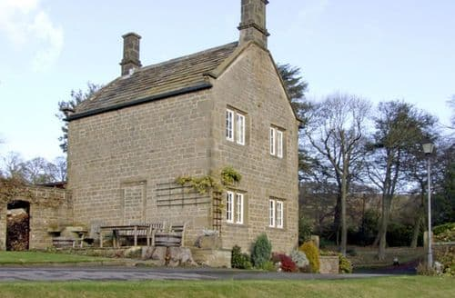 Last Minute Cottages - Underbank Hall Cottage