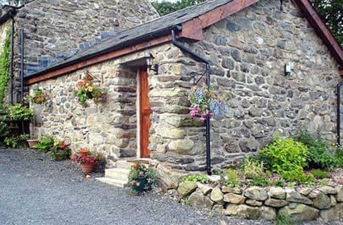 Last Minute Cottages - Maes Coch Cottage