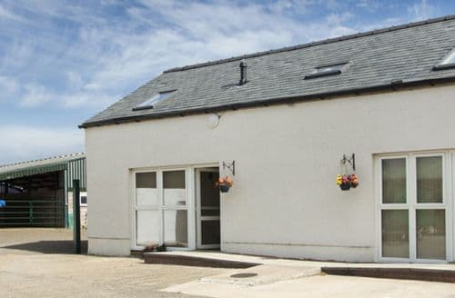 Last Minute Cottages - Beautiful Annan Loft S4993
