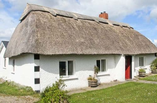 Last Minute Cottages - Strawhall