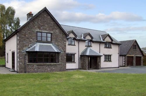 Last Minute Cottages - Luxury Brecon Villa S5044