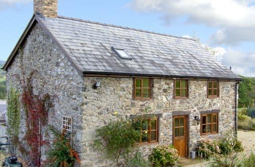 Last Minute Cottages - Tasteful  Cottage S5052