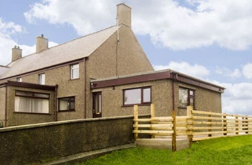 Last Minute Cottages - Captivating Beaumaris Ddu S5054
