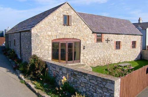 Last Minute Cottages - Cosy Mold Granary S5072