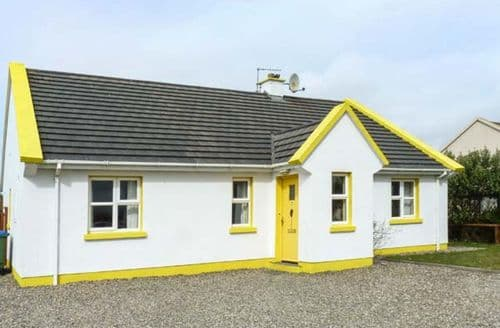 Last Minute Cottages - Cosy  Cottage S5090