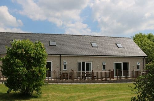 Last Minute Cottages - The Apartment at Y Felin