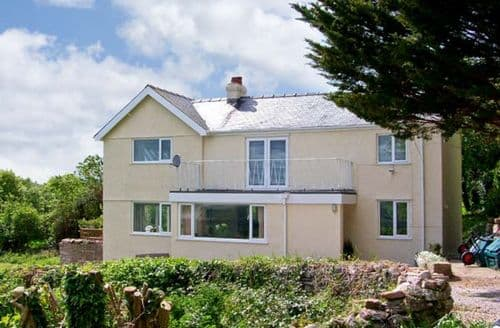 Last Minute Cottages - Wonderful Colwyn Bay Rental S5225
