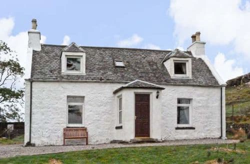 Last Minute Cottages - Splendid Portree Cottage S5233
