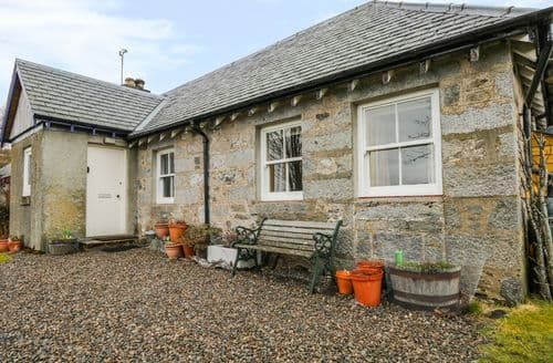 Last Minute Cottages - Tigh Beag
