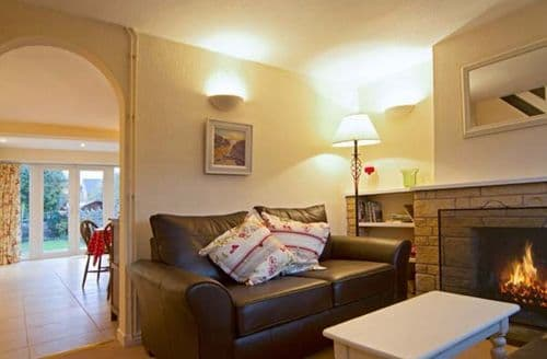Last Minute Cottages - Inviting Stratford Upon Avon Cottage S2325