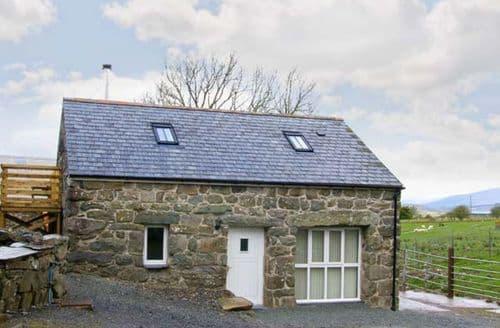 Last Minute Cottages - Hendre Cottage