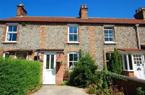 Last Minute Cottages - Beautiful Holt Rental S11926