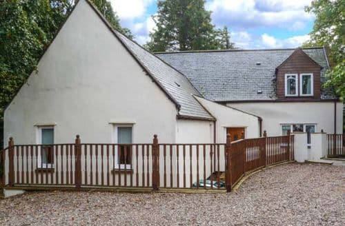 Last Minute Cottages - Inviting Archiestown Cottage S9692