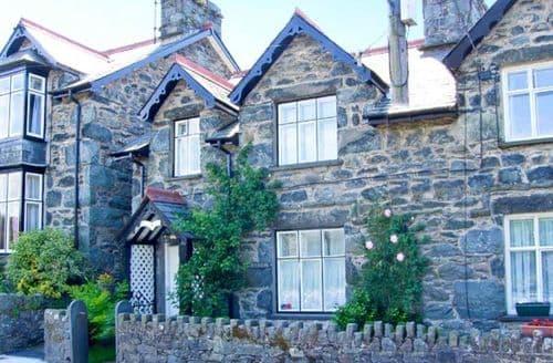 Big Cottages - Artro View