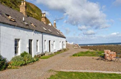 Last Minute Cottages - Shoreside Cottage