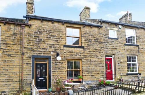 Last Minute Cottages - Attractive Keighley View S3717