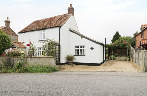 Last Minute Cottages - Hollyhedge Cottage