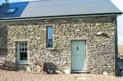 Last Minute Cottages - Ty Carreg