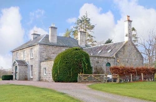 Big Cottages - Captivating Grantown On Spey House S5459
