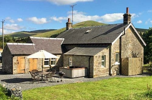 Last Minute Cottages - Adorable Hawick Cottage S69905