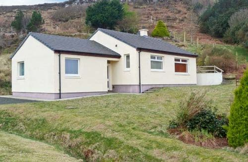 Last Minute Cottages - Inviting Isle Of Skye Well) S5571