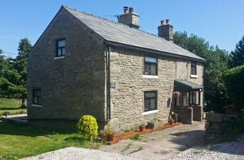 Last Minute Cottages - Beautiful Glossop Cottage S3864