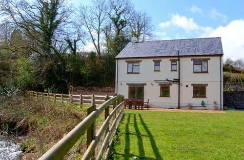 Big Cottages - Gorgeous Llandeilo Lodge S5634