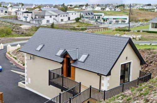 Last Minute Cottages - Wonderful  Apartment S5657