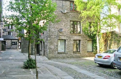 Last Minute Cottages - Excellent Kendal Building S3959