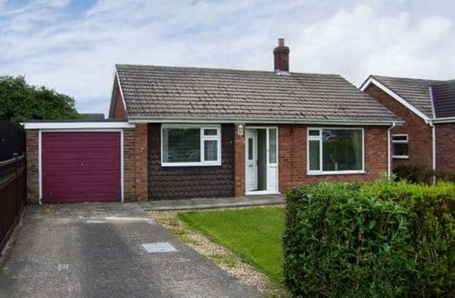 Last Minute Cottages - Stunning Skegness Cottage S2552