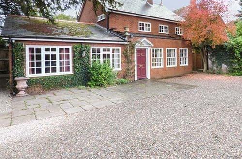 Last Minute Cottages - Dorrington Court