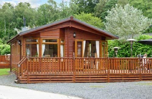 Last Minute Cottages - Beautiful Windermere Lodge S3981
