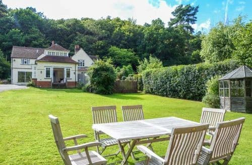 Last Minute Cottages - Woodhill Cottage