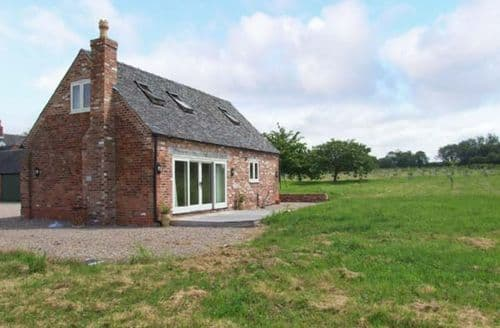 Last Minute Cottages - Gorgeous Barton Under Needwood Cottage S9431