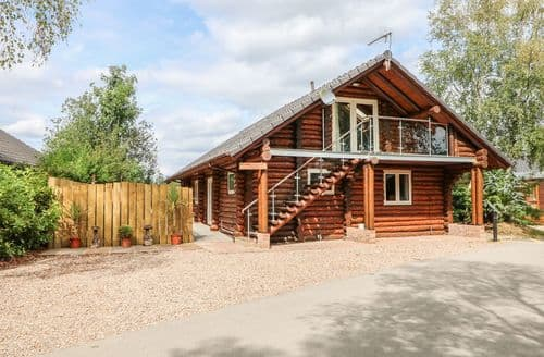 Last Minute Cottages - Woodpecker Lodge
