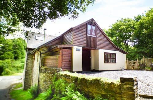 Last Minute Cottages - Charming Llanfyrnach Cottage S37996