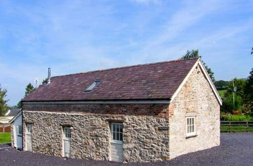 Last Minute Cottages - Luxury Ruthin Hendre S5827