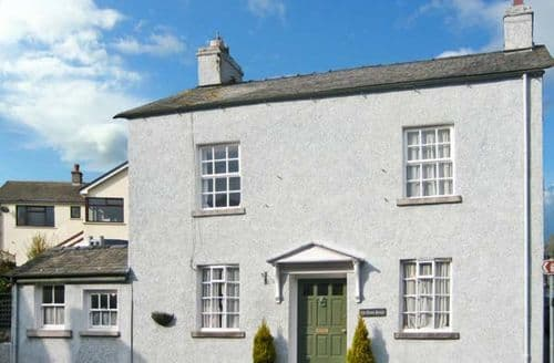 Last Minute Cottages - Lovely Grange Over Sands House S4097