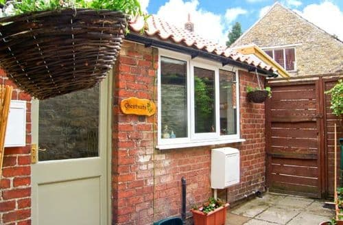Last Minute Cottages - Charming Pickering Rental S4102