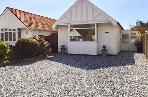 Last Minute Cottages - Quaint Clacton On Sea Haven S2667