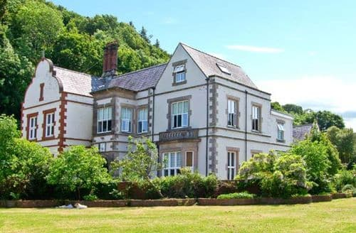 Last Minute Cottages - Tan Y Graig Hall