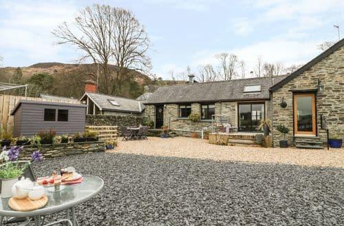Big Cottages - Hen Efail