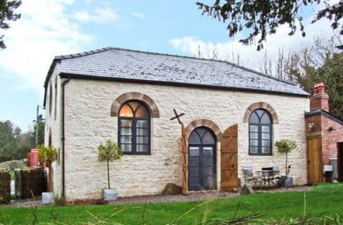 Last Minute Cottages - Cosy Penallt Cottage S6860