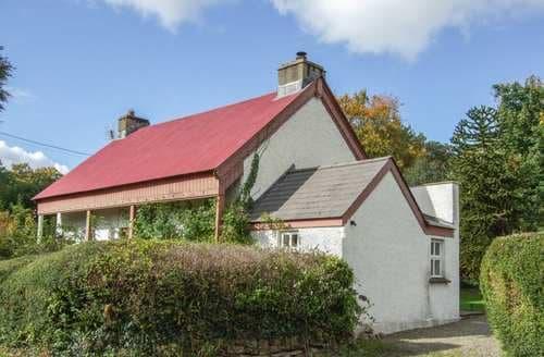 Last Minute Cottages - Gorgeous Whitland Cottage S38199