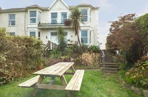 Last Minute Cottages - Apartment 1 Llewellan