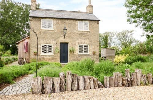 Last Minute Cottages - Superb Biggleswade Cottage S2707