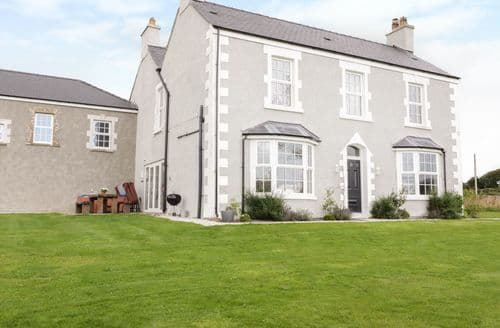 Last Minute Cottages - Adorable Rhosneigr Rental S25114